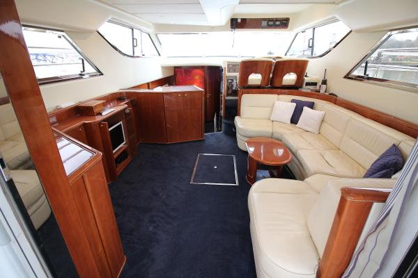Princess 480 - Saloon