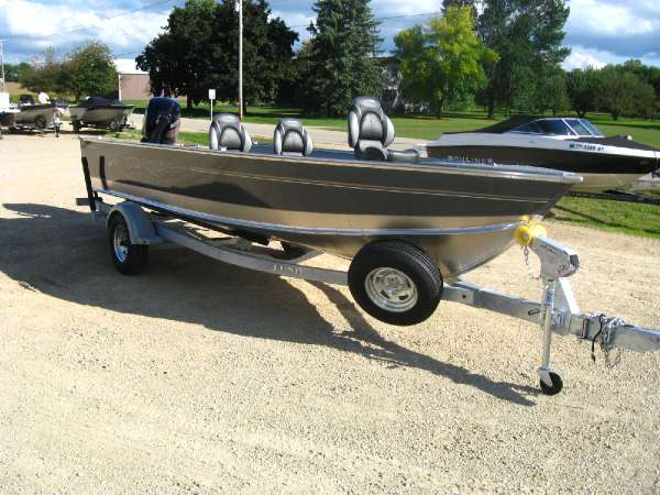 Lund new and used boats for sale for Fishing boats for sale craigslist