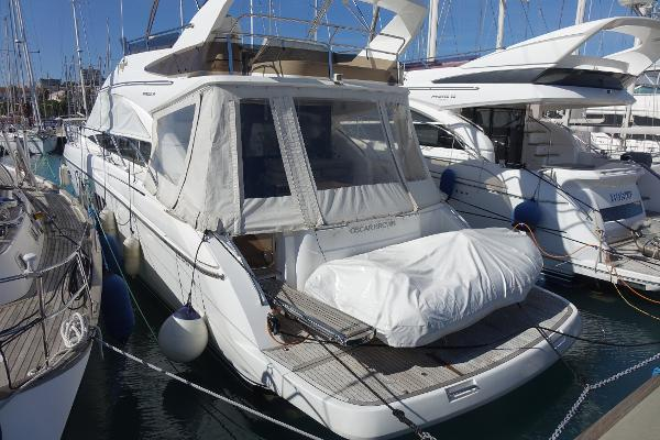 Princess 54 Princess 54 (with Custom Hydraulic Platform)