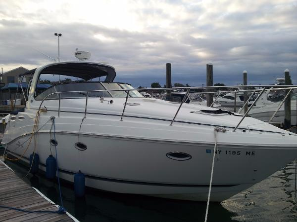 Rinker 350 Express Cruiser