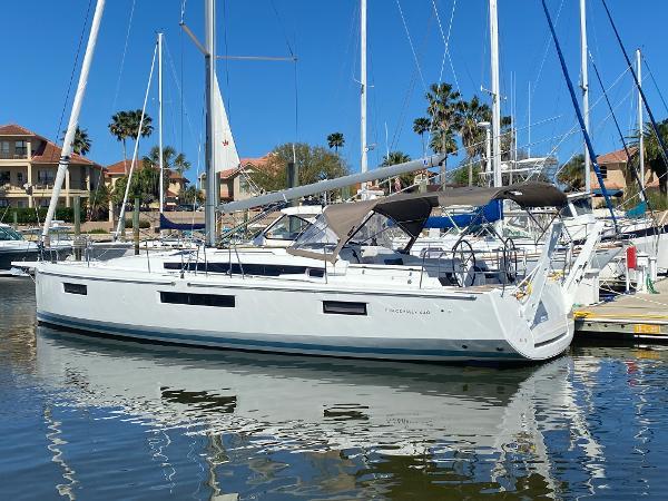 Jeanneau Sun Odyssey 440 At the dock