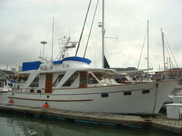 Defever 48 Trawler 48' DeFever starboard forward profile