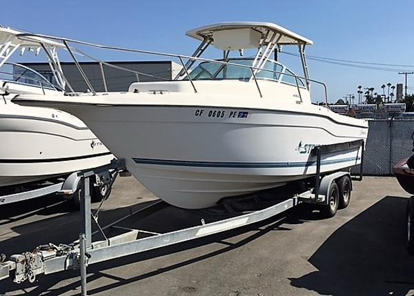 Seaswirl Striper 2600 Full Transom