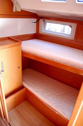 Sense 50 Starboard Stateroom(sistership)