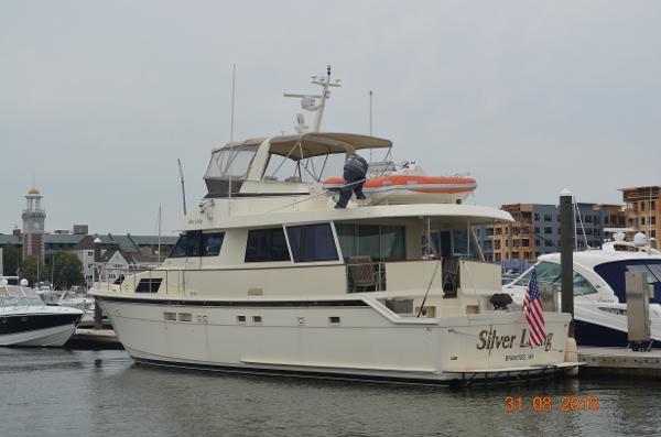 Hatteras 61 Cockpit Motoryacht