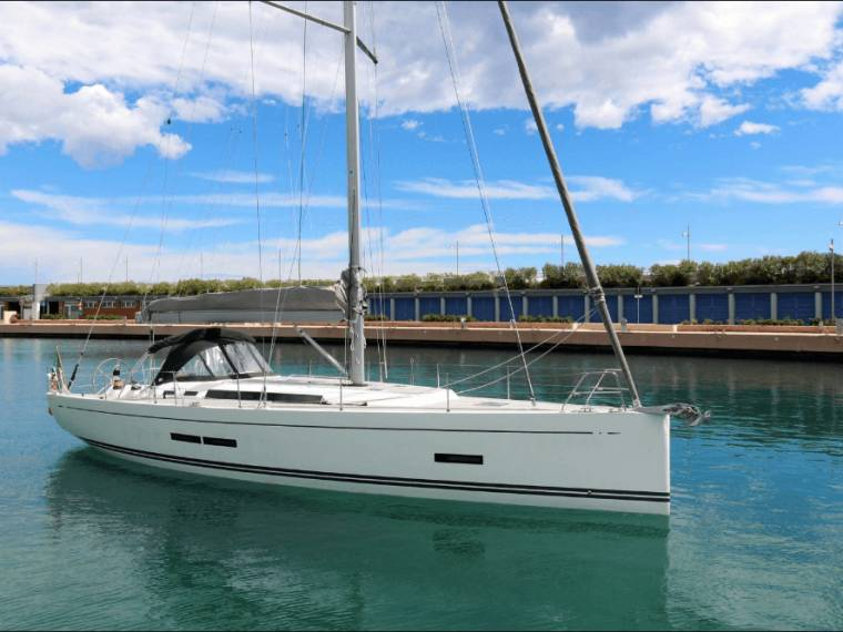 Solaris Yachts Solaris One 44