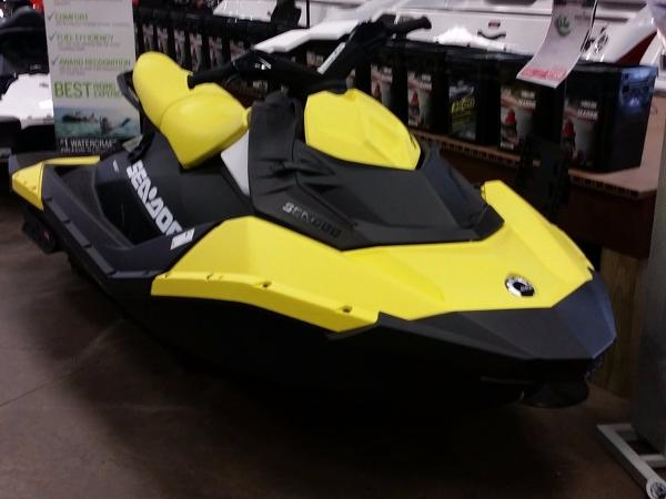 Sea-Doo Spark 3up Rotax® 900 HO ACE iBR Convenience Pkg Plus