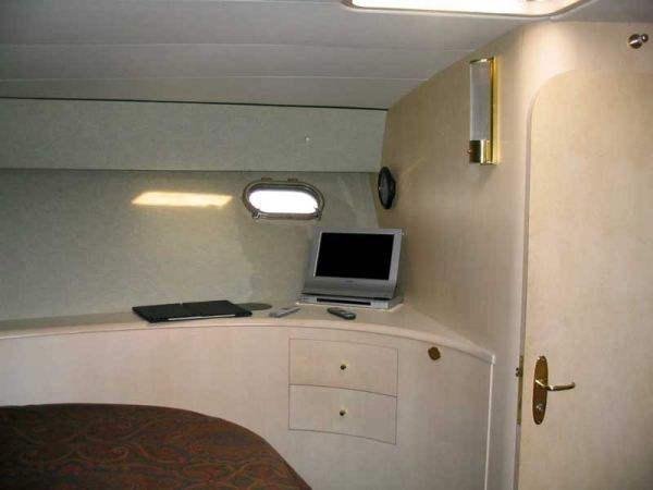 Forward Stateroom Starboard