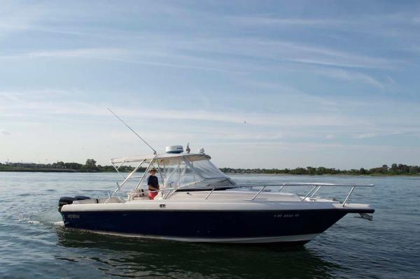 Intrepid 339 Walkaround Express Profile