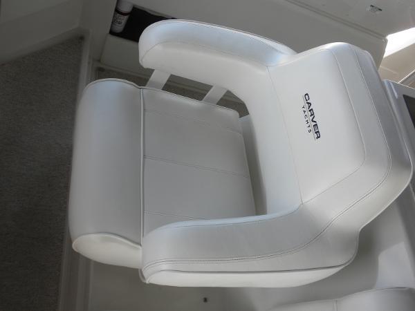Pristine helm seat