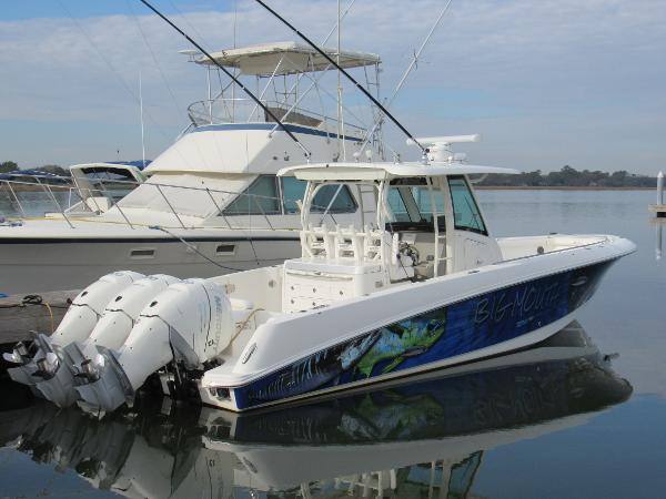 Boston Whaler 35 Outrage