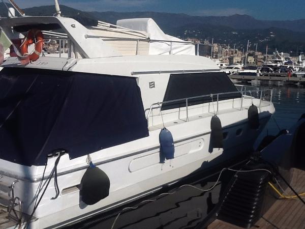 Ferretti Yachts 39 Fly