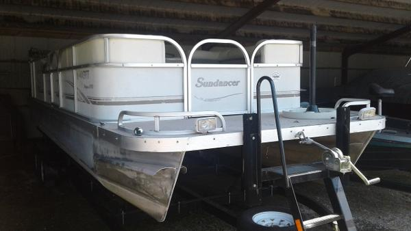 Sundancer Poontoons 24 FT
