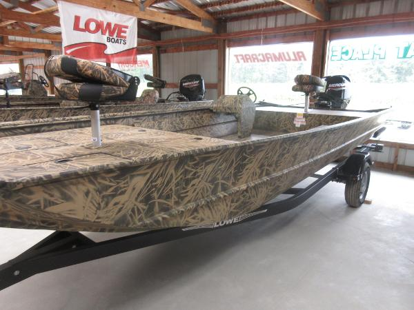 Lowe Roughneck 2070 With Add on Console
