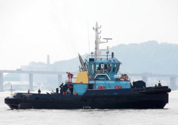 Custom 32 meter ASD TUG On the water