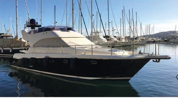 Cayman Yachts 42 FLY