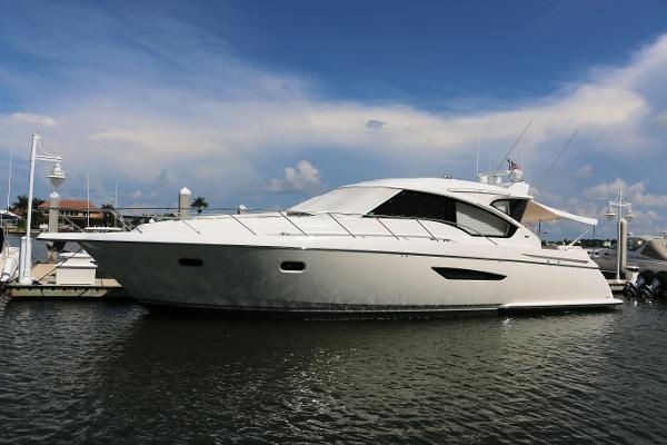 Tiara 5800 Sovran Port Profile
