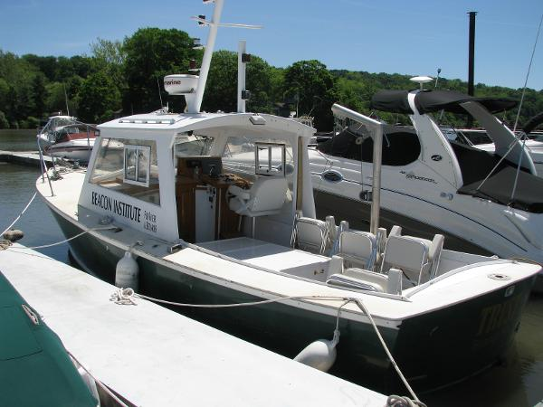 Dyer Hardtop w/ Bow Thruster  - 5KW Generator - Research Patrol Boat 29 Dyer Hardtop Cruiser For Sale with bow thruster and 5kw generator