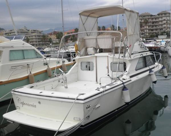 Bertram Yachts Bertram 28 Flybridge