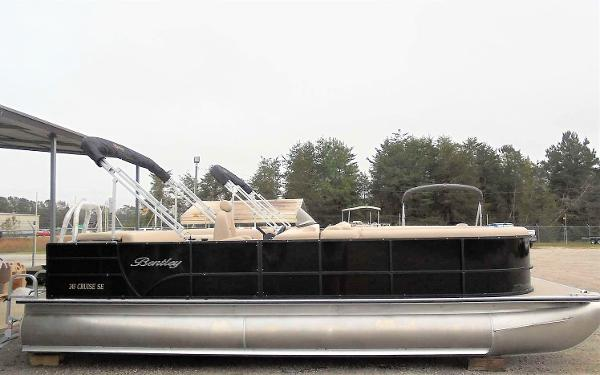 Bentley Pontoons 243 Cruise SE