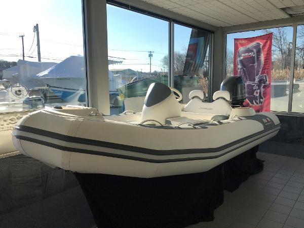 Avon Seasport 400 DL Port bow side