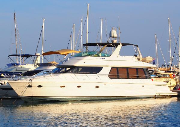 Carver 570 Voyager Pilothouse Carver 570 Voyager Pilothouse