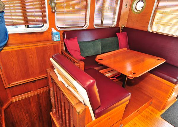 Pilothouse Aft Seating