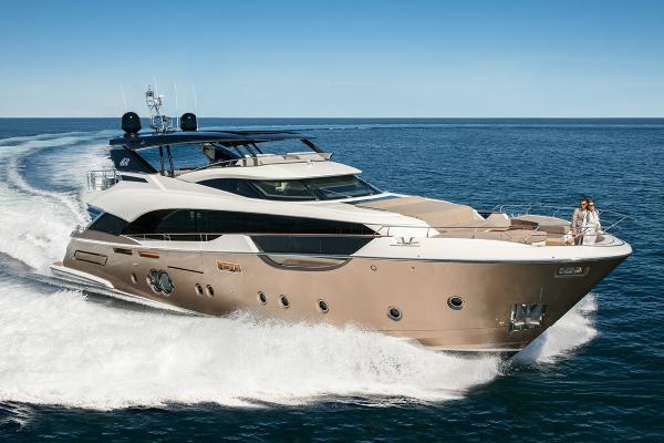 Monte Carlo Yachts MCY 96 Monte Carlo Yachts MCY 96