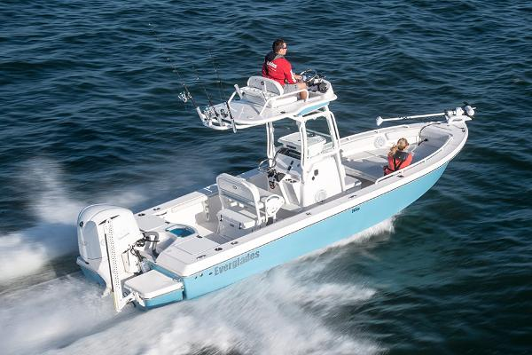 Everglades 243 Center Console Manufacturer Provided Image