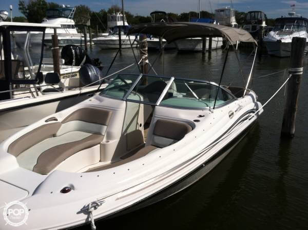 Sea Ray 210 Sundeck 2002 Sea Ray 210 Sun Deck for sale in Bayshore, NY