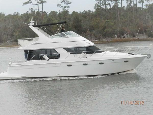 Carver 450 Voyager Pilothouse Profile
