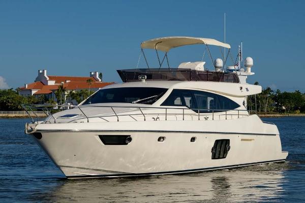 Ferretti Yachts 530 Profile