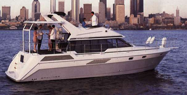 Bayliner 4387 Motoryacht Manufacturer Provided Image