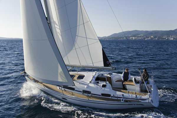 Bavaria 34 Cruiser Manufacturer Provided Image