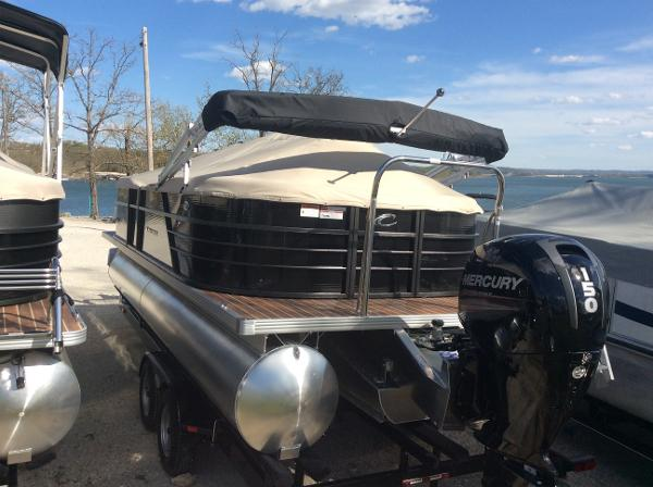 Crest Pontoon Boats I 220