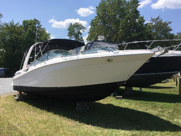 Four Winns 280 Horizon Starboard Bow