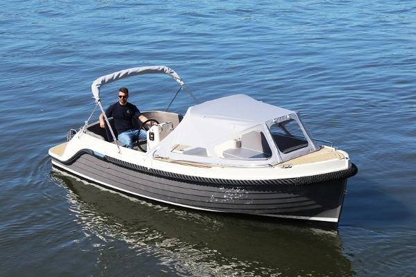 Interboat Intender 650