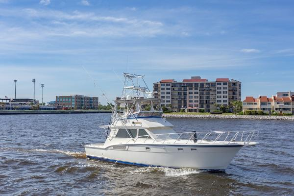 Hatteras 45 Convertible Starboard Profile