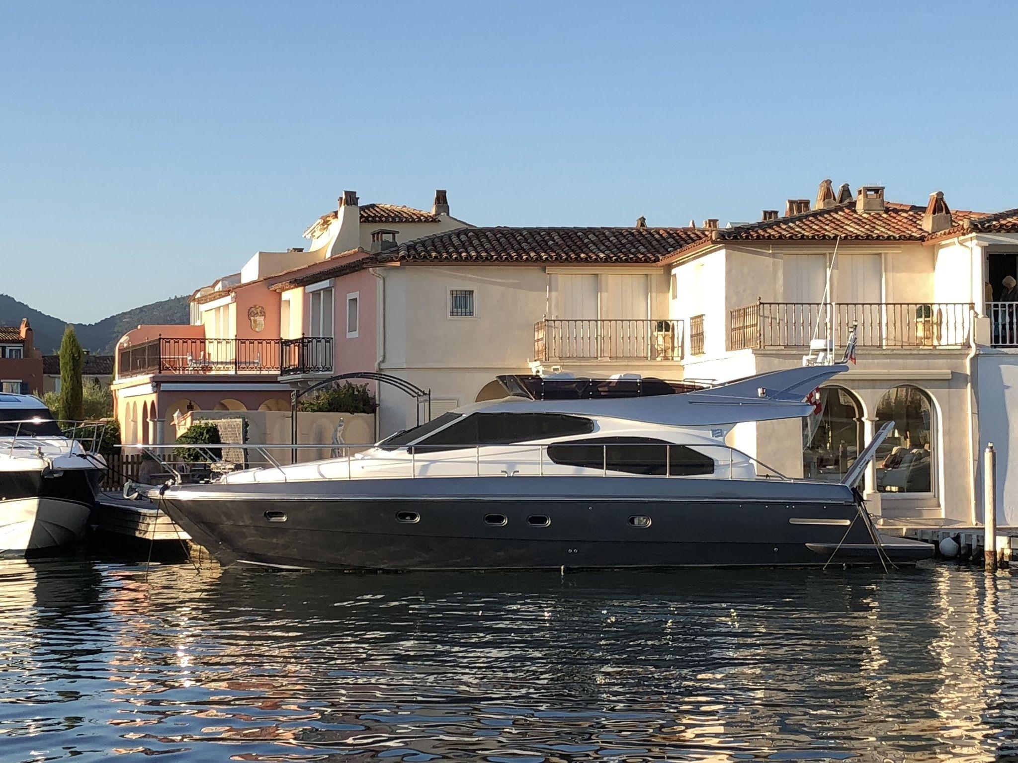 Ferretti Yachts 480