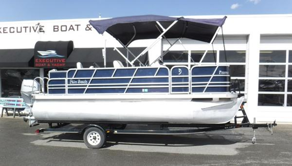 Palm Beach Fishmaster 180 Pontoon