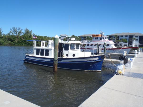 Nordic Tugs 32 Stbd side