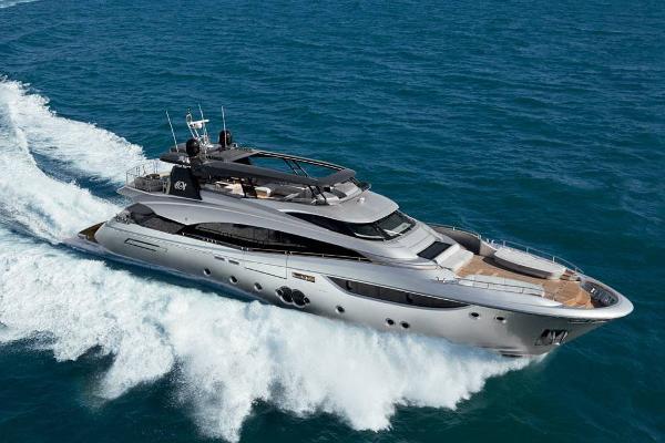 Monte Carlo Yachts MCY 105 Monte Carlo Yachts MCY 105