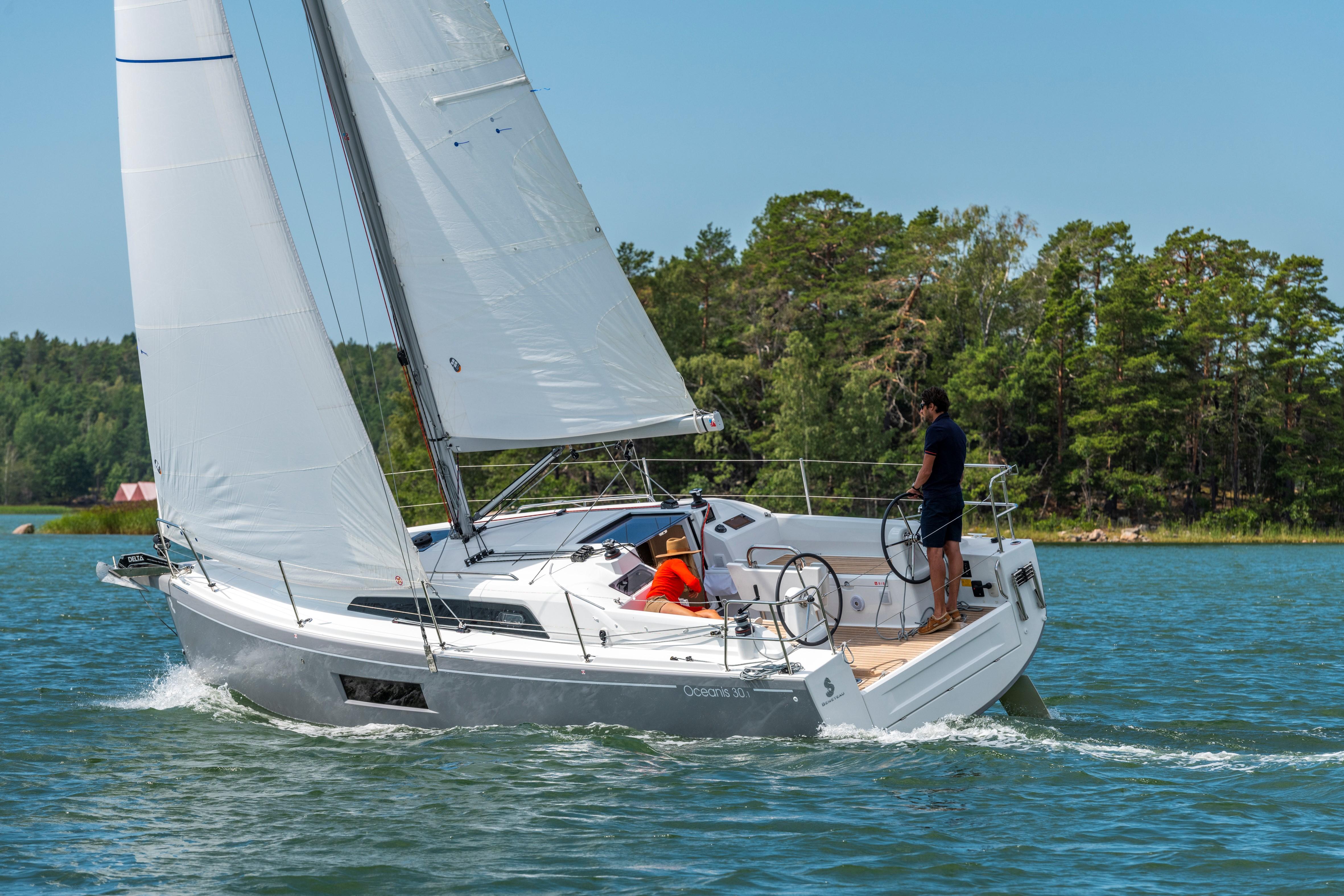 Beneteau Oceanis 30.1 Beneteau Oceanis 30.1 Sailing
