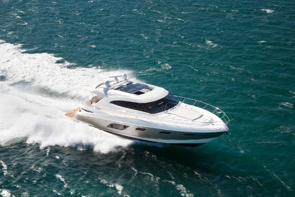 Riviera 6000 Sport Yacht with IPS