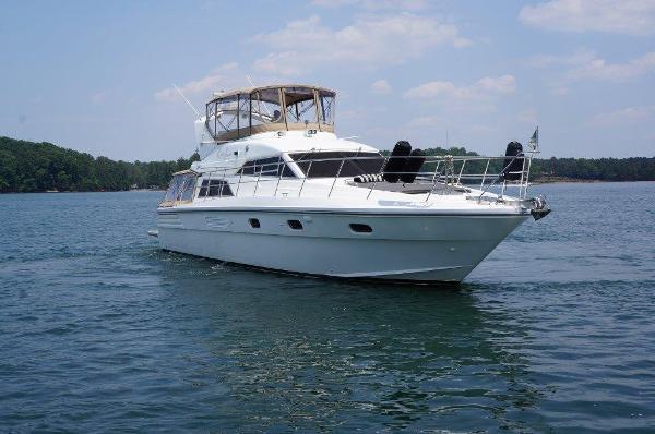 Jefferson 5300 Starboard profile