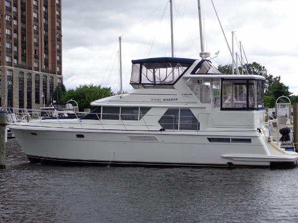 Carver 445 Aft Cabin Motor Yacht Exterior 1