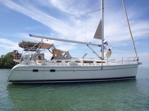 Hunter 38 Starboard Side