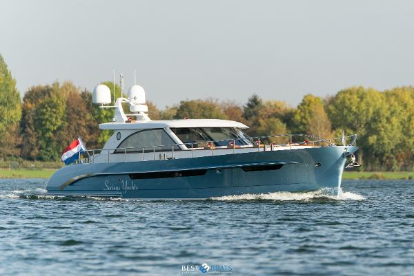 Serious Yachts Brightly 1530