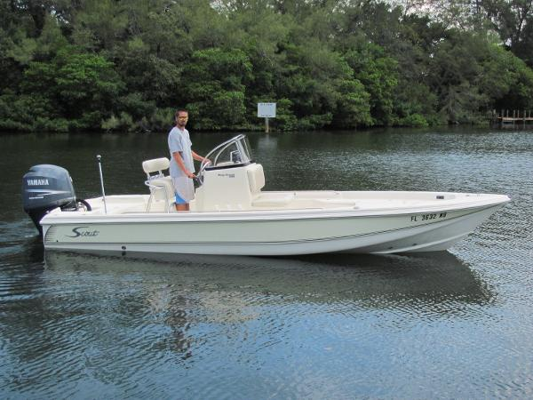 Scout 220 Bay Center Console