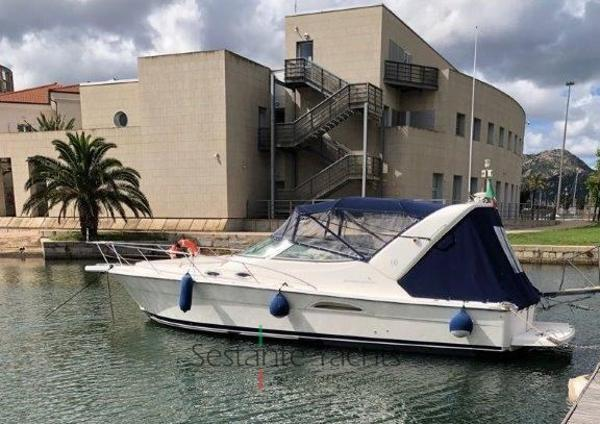 Riviera 3000 Offshore Riviera 3000 Offshore